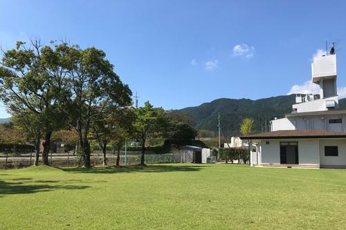 山の中の合宿施設